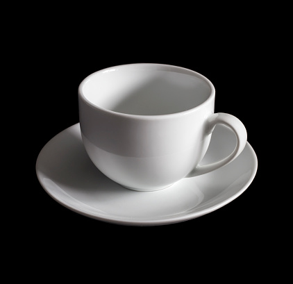 ティーカップ「Teacup and saucer against black background」:スマホ壁紙(16)