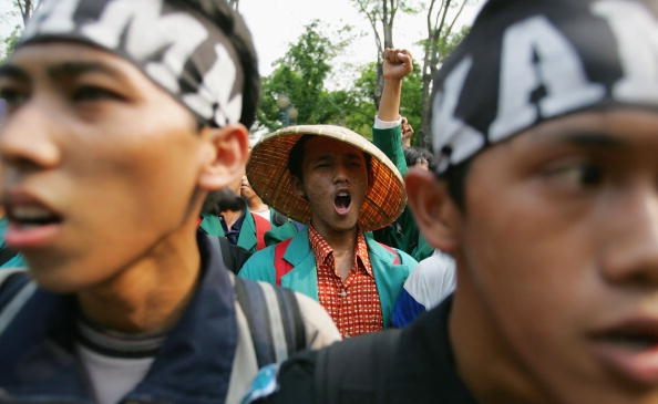 Human Arm「Fuel Price Hikes Spark Anti Government Protests」:写真・画像(5)[壁紙.com]