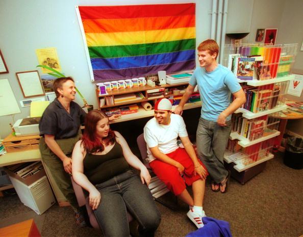 Bisexuality「Gay Friendly Student Housing」:写真・画像(6)[壁紙.com]