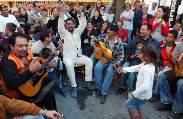 Camargue「Gypsies Celebrate The Procession To the Sea」:写真・画像(3)[壁紙.com]