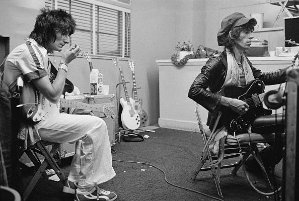 Musical instrument「Stones Guitarists Backstage」:写真・画像(9)[壁紙.com]