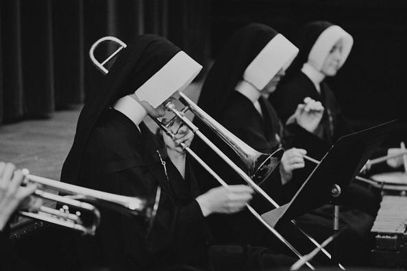 William Lovelace「Nuns Orchestra」:写真・画像(12)[壁紙.com]