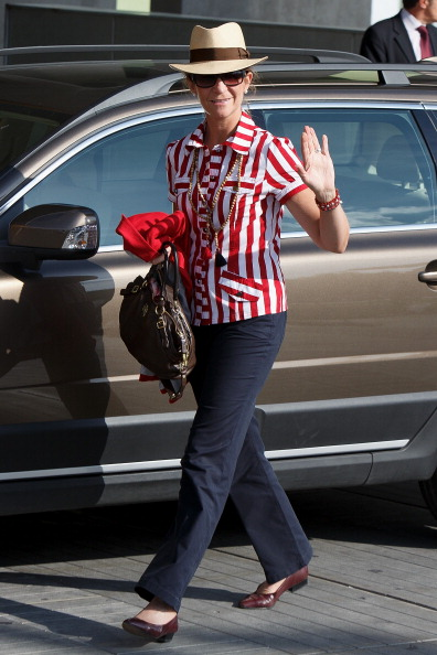 Princess Elena of Spain「King Juan Carlos of Spain Receives Visits at Quiron Hospital」:写真・画像(7)[壁紙.com]