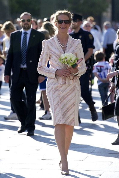 Princess Elena of Spain「Princess Elena of Spain Attends a Military Event in Zaragoza」:写真・画像(10)[壁紙.com]