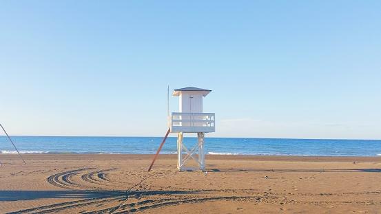 保護「Lifeguard tower on beach, Rincon de la Victoria, Malaga, Andalucia, Spain」:スマホ壁紙(15)