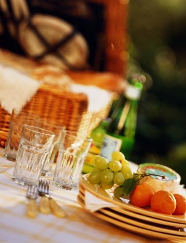 Picnic「Picnic basket beside glasses, forks, cheese and fruit」:スマホ壁紙(9)