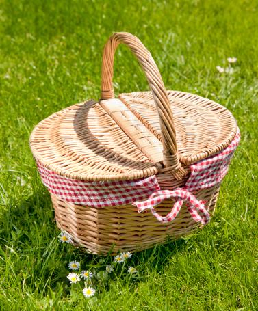 Picnic「Picnic basket」:スマホ壁紙(1)