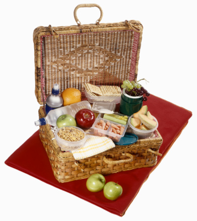 Picnic「Picnic basket with healthy food on red blanket」:スマホ壁紙(0)