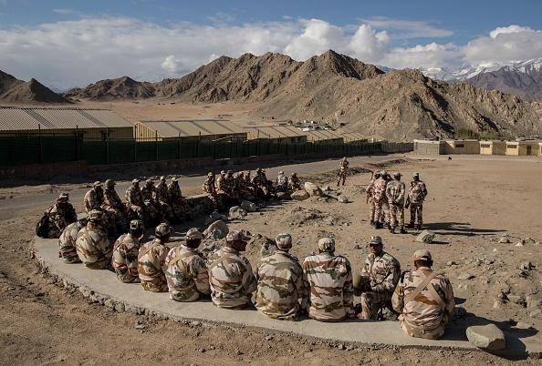 Army Soldier「Locals Preparing for Voting in Ladakh」:写真・画像(14)[壁紙.com]