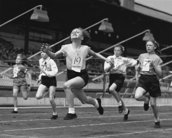 Fred Morley「School Sports」:写真・画像(18)[壁紙.com]