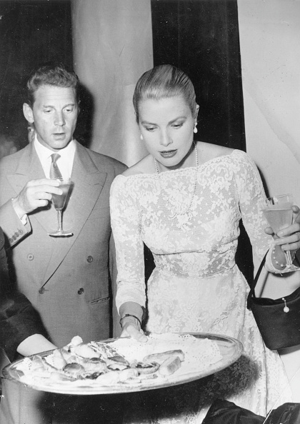 Grace Kelly - Actress「Aumont And Kelly」:写真・画像(7)[壁紙.com]