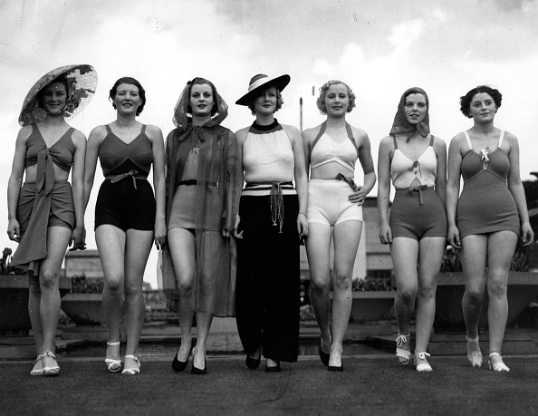 In A Row「Bathing Beauties」:写真・画像(11)[壁紙.com]