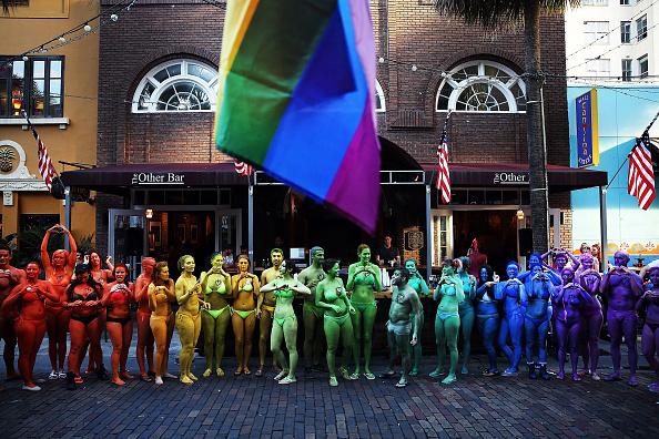 フロリダ州オーランド「Orlando Continues To Mourn The Mass Shooting At Gay Club That Killed 49」:写真・画像(2)[壁紙.com]