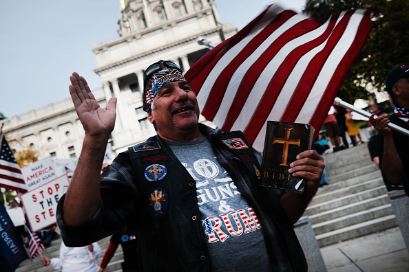 """Dozen「Trump Supporters Hold """"Stop The Steal"""" Protest At Pennsylvania State Capitol」:写真・画像(1)[壁紙.com]"""
