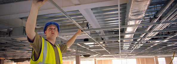 Ceiling「Builder positioning ceiling frame」:写真・画像(0)[壁紙.com]