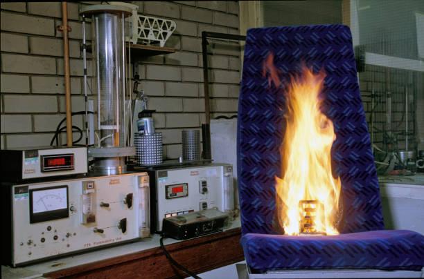 Flamability testing of seat covering fabric. C 1993:ニュース(壁紙.com)