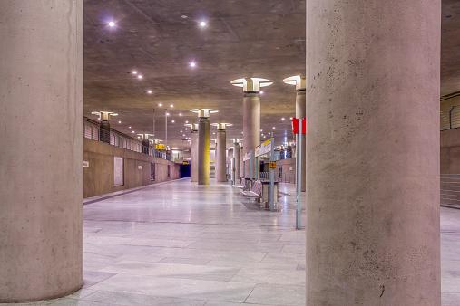 Pole「Germany, Berlin, modern architecture of subway station Bundestag」:スマホ壁紙(6)