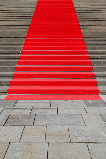 Paving Stone「Germany, Berlin, red carpet at stone staircase」:スマホ壁紙(13)