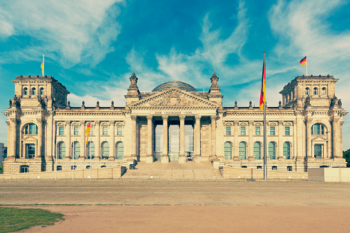 The Reichstag「Germany, Berlin, view to Reichstag at sunlight」:スマホ壁紙(11)