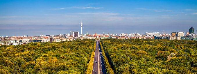 Town Square「Germany, Berlin, elevated city view from victory column」:スマホ壁紙(5)