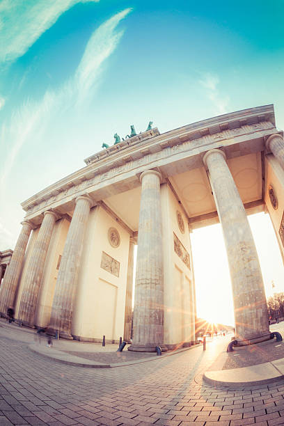 Germany, Berlin, Brandenburger Tor at sunset:スマホ壁紙(壁紙.com)