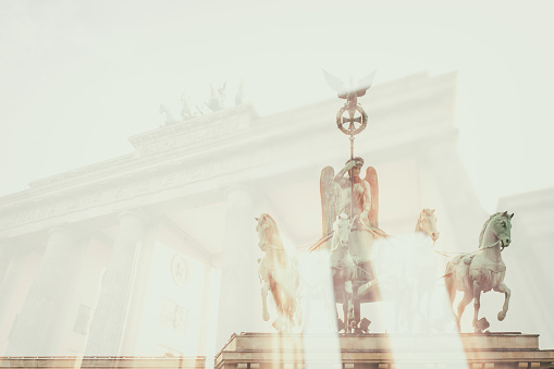 Multiple Exposure「Germany, Berlin, Brandenburger Tor, double exposure」:スマホ壁紙(3)