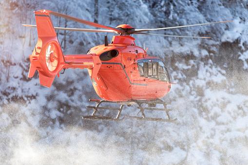 European Alps「Germany, Berchtesgadener Land, flying helicopter in winter」:スマホ壁紙(12)