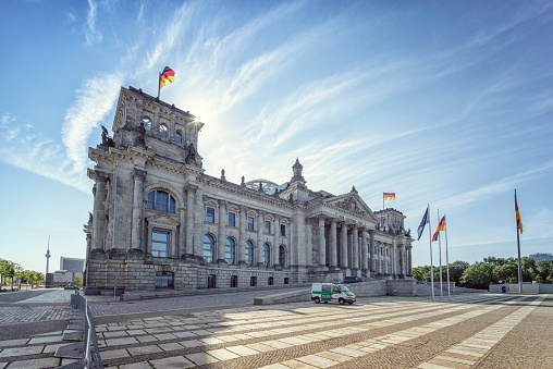 The Reichstag「Germany, Berlin, Reichtstag Building」:スマホ壁紙(3)