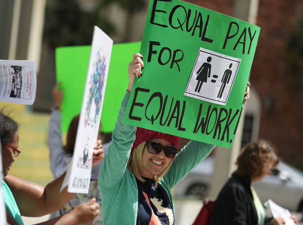 Rally To Support Equal Pay For Equal Work:ニュース(壁紙.com)