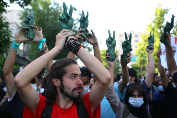 平穏「Unrest Continues After Iranian Presidential Elections」:写真・画像(17)[壁紙.com]