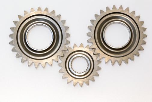 Bicycle Gear「Three steel automobile gears isolated」:スマホ壁紙(19)