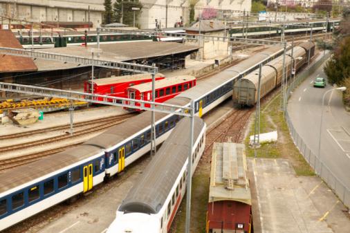 Cable Car「Train yard by city street」:スマホ壁紙(7)
