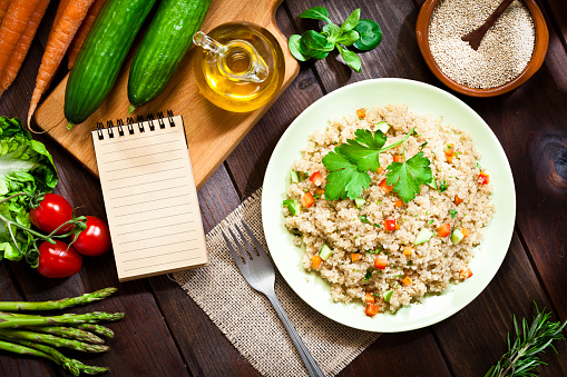 Quinoa「Quinoa salad plate with blank cookbook」:スマホ壁紙(16)