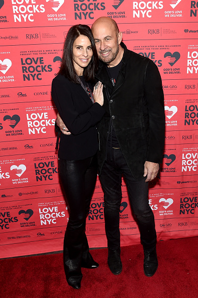 Suede「Third Annual Love Rocks NYC Benefit Concert For God's Love We Deliver」:写真・画像(13)[壁紙.com]