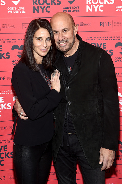 Suede「Third Annual Love Rocks NYC Benefit Concert For God's Love We Deliver」:写真・画像(12)[壁紙.com]