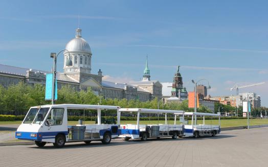 Passenger「Tourist Vehicle in old Montreal」:スマホ壁紙(4)