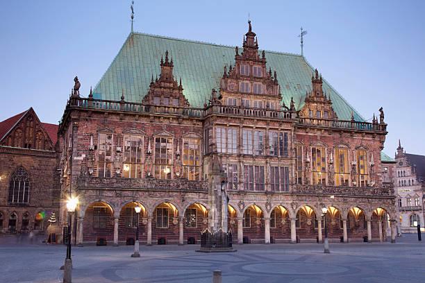 Germany, Bremen, View of town hall:スマホ壁紙(壁紙.com)