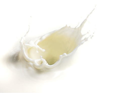 Spraying「Milk splash.」:スマホ壁紙(1)