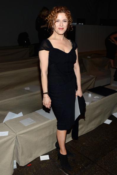 Form Fitted Dress「Donna Karan New York - Front Row - Spring 2013 Mercedes-Benz Fashion Week」:写真・画像(9)[壁紙.com]