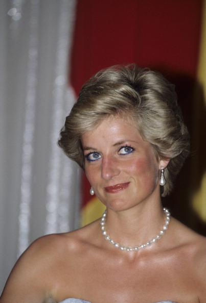 Blue「Diana in Cameroon」:写真・画像(10)[壁紙.com]