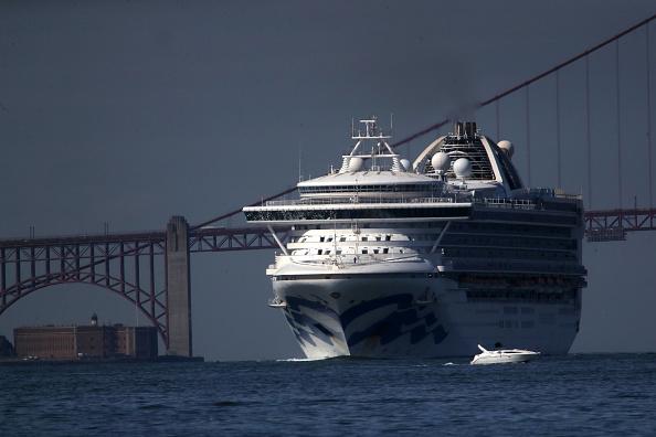Ship「Cruise Ship With 21 Coronavirus Patients On Board Docks In Oakland」:写真・画像(5)[壁紙.com]