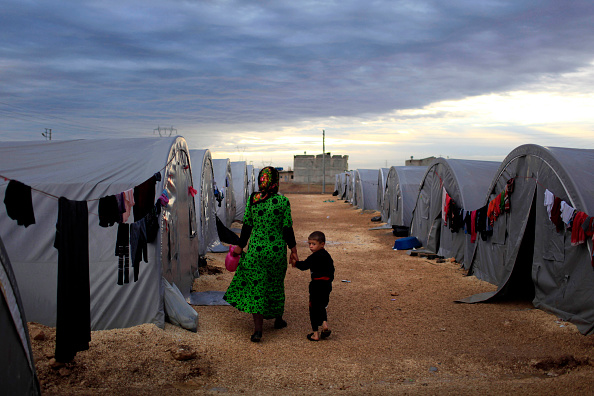 Displaced Persons Camp「Syrian Kurds Battle IS To Retain Control Of Kobani」:写真・画像(1)[壁紙.com]