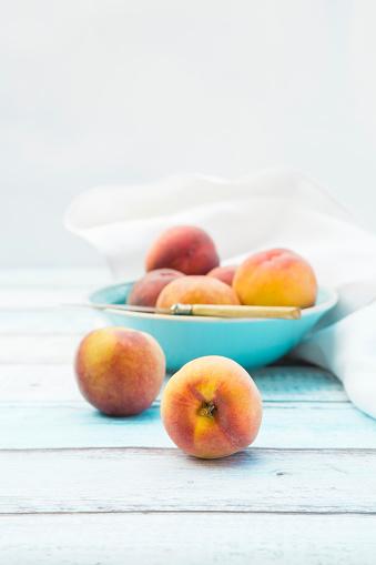 Peach「Bowl of peaches」:スマホ壁紙(2)