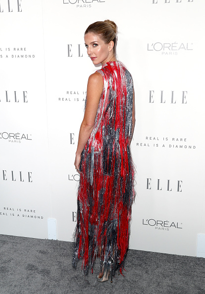 Alternative Pose「ELLE's 24th Annual Women in Hollywood Celebration - Arrivals」:写真・画像(16)[壁紙.com]