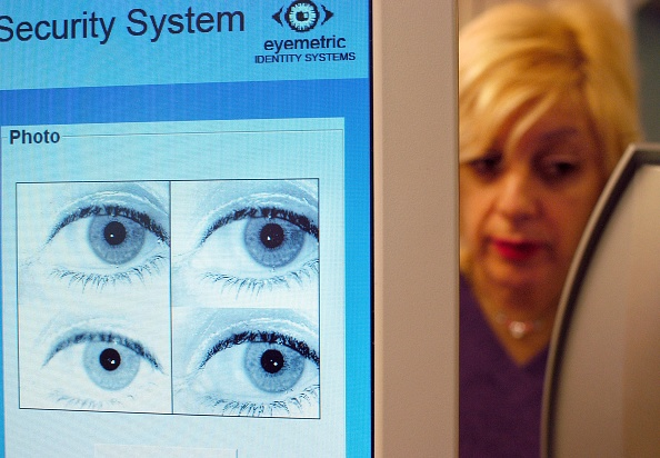 Profile View「New Jersey School System Uses Iris-Recognition Technology」:写真・画像(0)[壁紙.com]