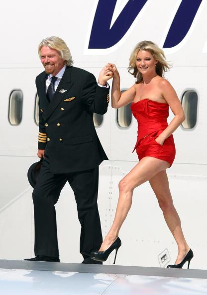 赤「Virgin Atlantic Celebrates 25th Birthday」:写真・画像(15)[壁紙.com]