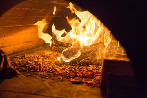 Bakery「a fire inside a stone oven」:スマホ壁紙(8)