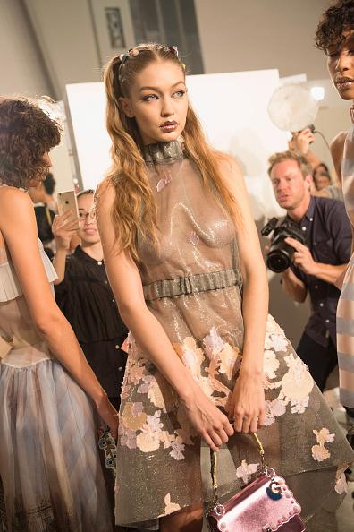 春夏コレクション「Fendi - Backstage - Milan Fashion Week SS17」:写真・画像(16)[壁紙.com]
