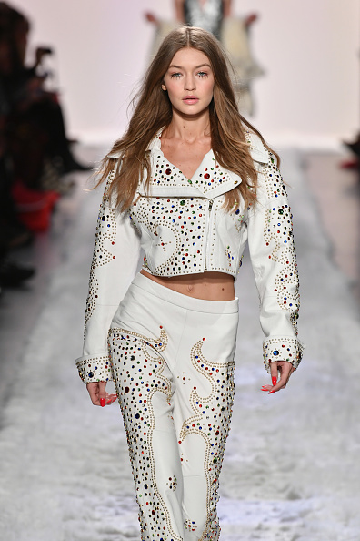 ニューヨークファッションウィーク「Jeremy Scott - Runway - February 2017 - New York Fashion Week: The Shows」:写真・画像(5)[壁紙.com]