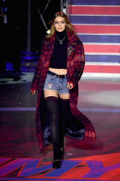 London Fashion Week「Tommy Hilfiger TOMMYNOW Fall 2017 - Runway」:写真・画像(1)[壁紙.com]